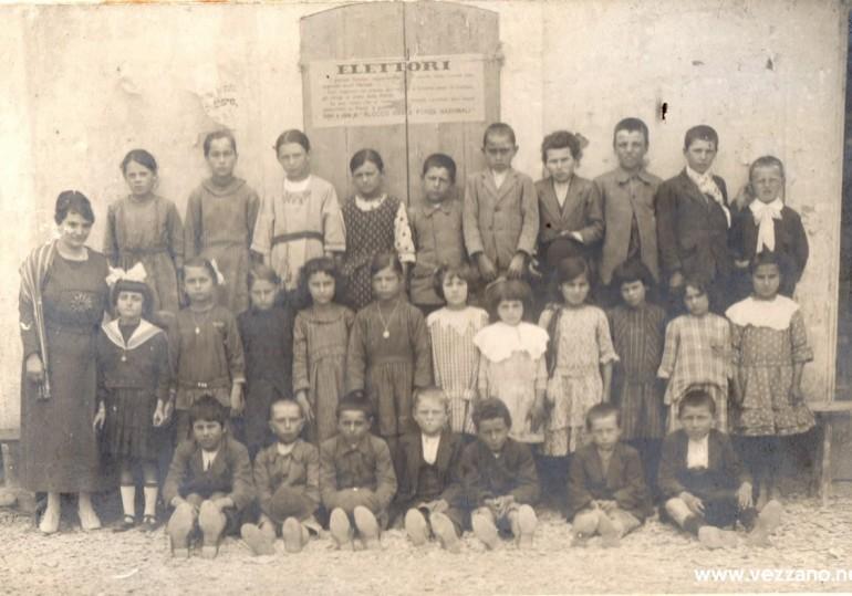 1920 classe elementare a Vezzano