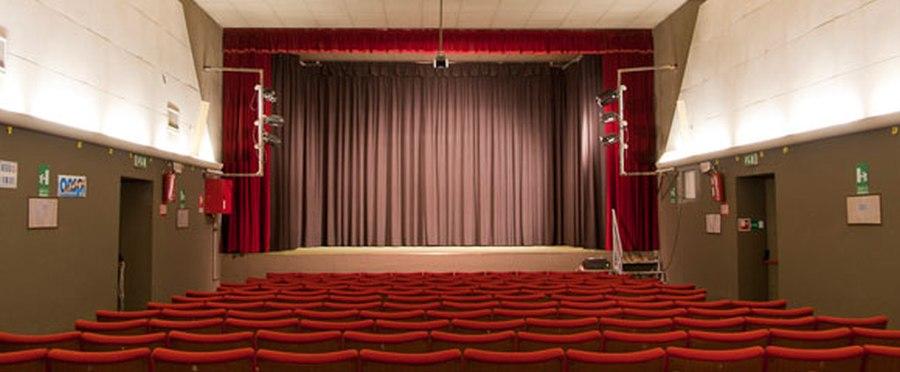 teatro manzoni vezzano
